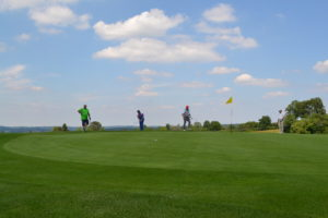 IWM-Aktuell 186-300x200 WOWI-Golftour 2018 – Bayern golft! Aktuelles Bayern WOWI-Golftour  WOWI-Golftour WOWI Wohnungswirtschaft Immobilienwirtschaft Immobilienbranche Golfclub Tutzing Bayern