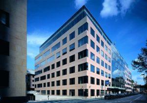 IWM-Aktuell index-1-300x210 TRIUVA erwirbt Junghof Plaza in Frankfurt Aktuelles Allgemein Aus der Branche  Wohnungswirtschaft Wohnungsneubau Wohnungsbau Wohnraum PATRIZIA Immobilienwirtschaft Immobilienpolitik Immobilienmarkt Immobilienbranche Immobilien