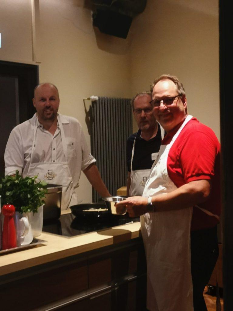 IWM-Aktuell IMG_20190625_192935-768x1024 Open-Cooking-Saison startet in der Genussakademie Frankfurt Aktuelles Allgemein Tafelrunde  Wohnungswirtschaft Open Cooking networking Frankfurt a. M. Event