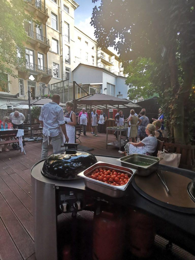 IWM-Aktuell IMG_20190625_204131-768x1024 Open-Cooking-Saison startet in der Genussakademie Frankfurt Aktuelles Allgemein Tafelrunde  Wohnungswirtschaft Open Cooking networking Frankfurt a. M. Event