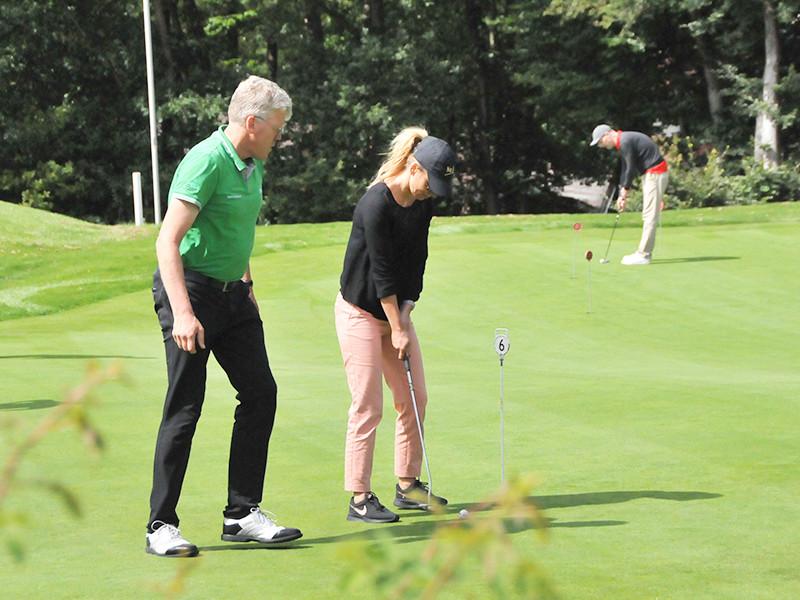 IWM-Aktuell 09 Schön schwer Aktuelles WOWI-Golftour
