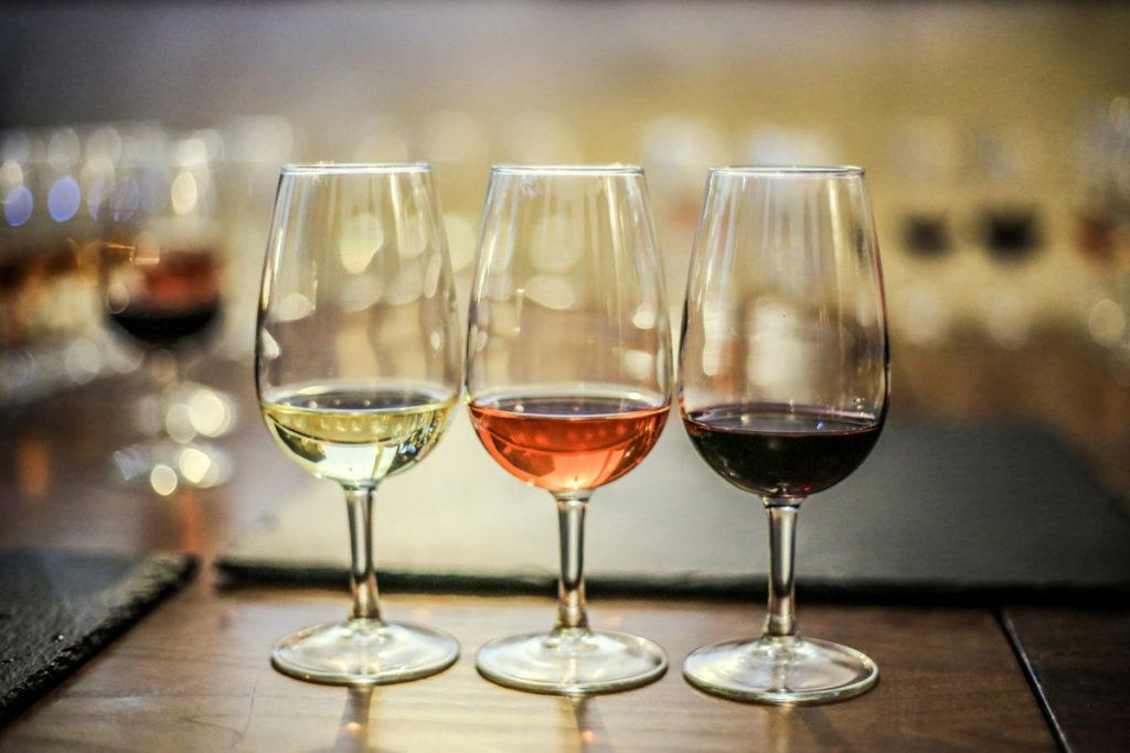 IWM-Aktuell iStock-494807824_20cm_klein-1024x683 Digital Wine Tasting Digital Wine Tasting Neues Format Weinprobe  Weinprobe Wein PresseCompany neues Format Digital Wine Tasting Degustation